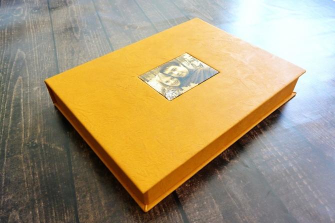 альбом в кожаной обложке